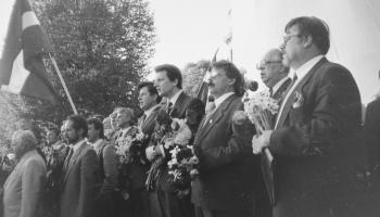 Neatkarības deklarācijas pieņemšana. Saruna ar bijušajiem Augstākās Padomes deputātiem