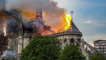Нотр-драма: пожар в соборе Парижской богоматери