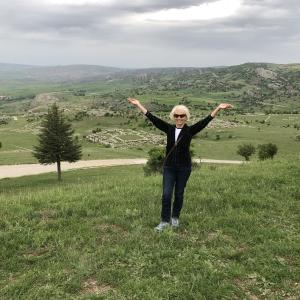 Vēsturniece, personīgās izaugsmes trenere un aizrautīga ceļotāja Astra Kalniņa
