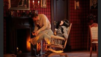 """Agata Kristi """"Peļu slazds"""". Valmieras drāmas teātra iestudējums"""
