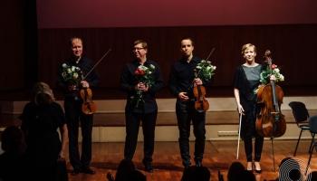 LNSO klavieru trio un vijolnieks Sandis Šteinbergs Lielajā ģildē