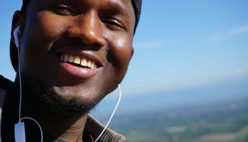 Patvēruma meklētājs no Gambijas: Naida Eiropā ir par daudz