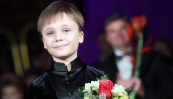 Vijolnieks Daniils Bulajevs un pianiste Lilī Sarkisjana Latvijas Nacionālajā operā