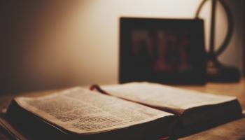Svētrīts. Studijā bīskaps Andris Kravalis