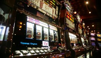 Pašvaldības varēs aizliegt rīkot azartspēles noteiktās teritorijās