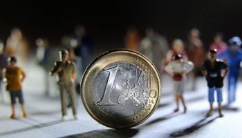 Sarunas par naudu: Cik daudz latvieši ārzemēs iegulda Latvijas budžetā
