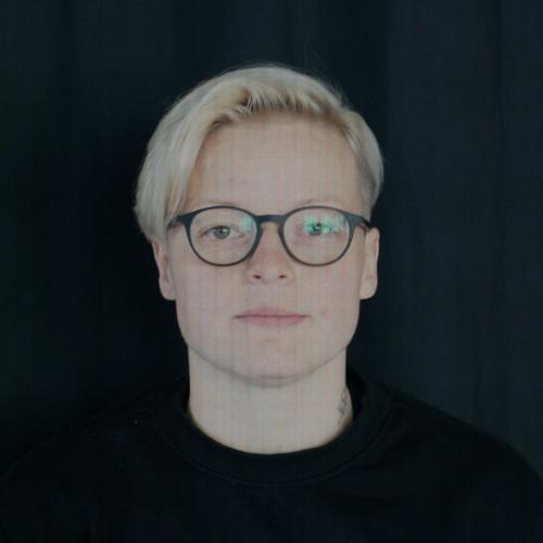 Igauņu māksliniece Barbara Lehtna Rīgā veido projektu par cilvēku atmiņām