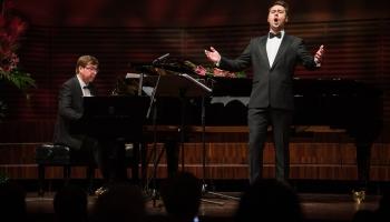 """Mihails Čuļpajevs un Mārtiņš Zilberts Liepājas koncertzālē """"Lielais dzintars"""""""