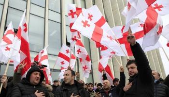 """Gruzija iekšpolitiskā spriedzē. Lukašenko darbina """"krimināllietu konveijeru"""""""