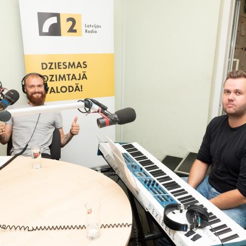 Arturs Gruzdiņš prezentē jaunu dziesmu un gatavojas izdot albumu