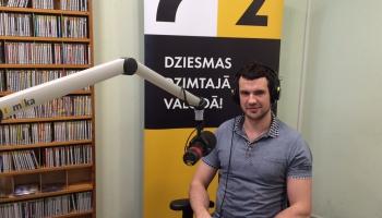 Programmas Ceļojums pirmā stunda kopā ar DJ - hokejistu Krišjāni Rēdlihu
