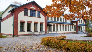 Vaboles skolai apritējusi simtgade