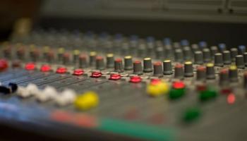 Латвийское радио 4 приглашает в свою команду продюсера информационной программы