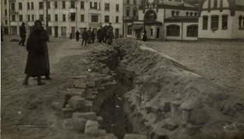 11. novembris. No Rīgas padzīti Bermonta karavīri