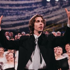 Diriģents Edgars Vītols pierādījis: dziedāšana korī sekmē laimīgumu