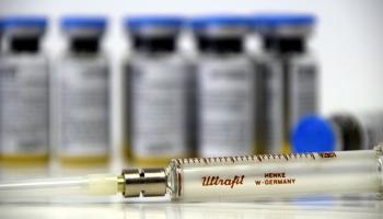 Covid-19: Eiropas valstu vakcinācijas plāni un ko par vakcināciju saka tautieši ārzemēs