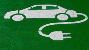 Zaļo automašīnu aktualitātes ar Kristapu Skuteli un Kristapu Vītolu