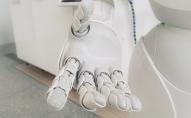 Ētiskās dilemmas robotikā. Arī latviski pieejams UNESCO ziņojums par robotikas ētiku
