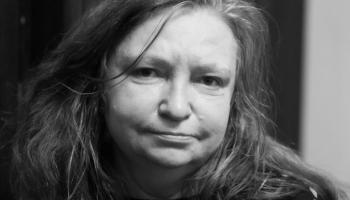 Dzejniece Amanda Aizpuriete : Es turpinu rakstīt