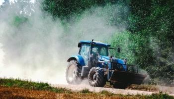 Zemnieku saeima: jauniešiem jāļauj strādāt vairāk