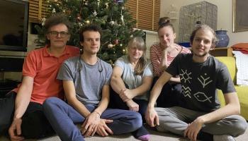 Staņislavsku ģimenē ik gadu top piparkūkas pēc īpašās vecvecmāmiņas receptes