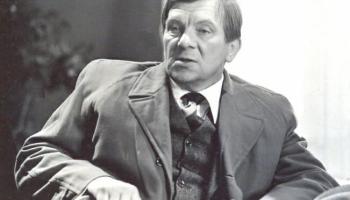 """Vēsturniece Dace Ulpe un lekcija """"Eduarda Pāvula ilgais ceļš Jūrmalas kāpās"""""""