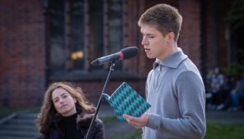 Dzejas lasījumi no Latvijas Radio balkona. Edvards Kuks