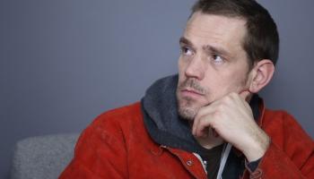 """Maskavā aplūkojama Andra Eglīša izstāde """"Mākslīgā gaisma"""""""