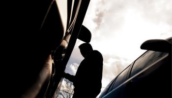 Не угнали, но «раздели»: жители микрорайонов жалуются на дерзких автоворов