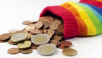 Kā pareizi attiekties pret naudu?
