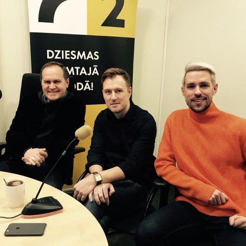 Studijā finālbalsojuma dalībnieki - Guntars Račs, Jānis Stībelis un Markus Riva