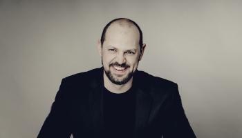 Vācu baritons Johanness Helds: esmu melanholiķis, tāpēc vienmēr mazliet kavējos pagātnē
