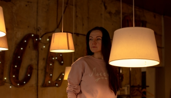 """Marta Elīna Martinsone sākusi darbu pie filmas pusaudžiem.  Tai dots nosaukums """"Tizlenes"""""""