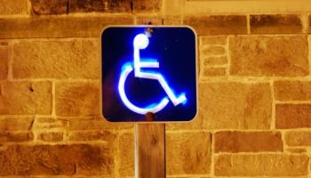 Tiesībsarga birojs aicina diskutēt tiesu pieejamību cilvēkiem ar invaliditāti
