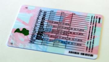 Cik sarežģīti Latvijā ir iegūt autovadītāja apliecību?