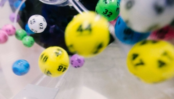 Kādiem mērķiem ar loteriju palīdzību līdzekļus vāc 21. gadsimtā?