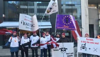 Baltijas lauksaimnieki protestā Briselē prasa taisnīgākus tiešmaksājumus