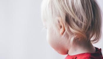 Bērna vājdzirdība: jo ātrāk atklāj, jo veiksmīgāks ir rezultāts - valodas attīstība
