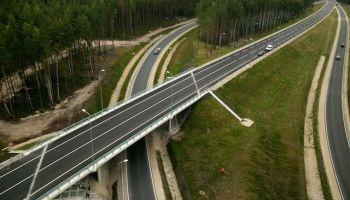130 км/час, четыре полосы: как Латвия планирует развивать сеть своих автотрасс