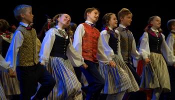 Šogad skolēnu dziesmu un deju svētki. Tiem gatavojas arī diasporas jaunieši