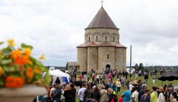Брукна. Частичка Армении в Латвии (ФОТО)
