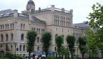 Dienas apskats. Latvijas Universitātē demonstrējumu sezonu sācis Astronomiskais tornis