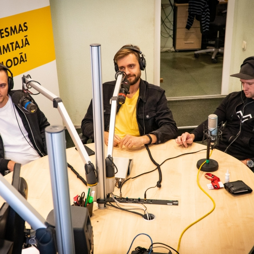 """Neon Saturdays"" izdod otro singlu latviešu valodā"