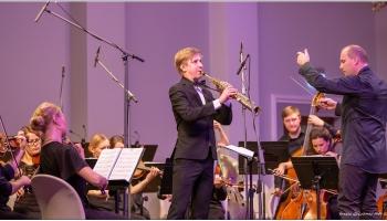 """Brāmss un """"Sinfonietta Rīga"""", veltījums Ķeniņam, klavieru kvarteti un saksofonistu parāde"""