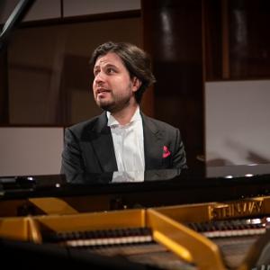 Tik svarīgā tēma – brīvība. Saruna ar pianistu Andreju Osokinu