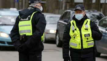 Policijas darbs ārkārtas situācijas laikā: Pārkāpumu ir vairāk