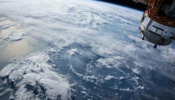 Paraugu savākšanas misijas kosmosā: pagaidām to ir maz un dārgas
