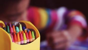 Pieaug interese par izglītības iegūšanu ģimenē: vecāku un skolu pieredze