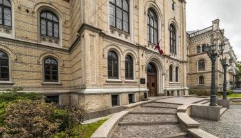 Neizprati raisa LU lēmums anulēt prokurora Cinkmaņa bakalaura diplomu, maģistra - nē