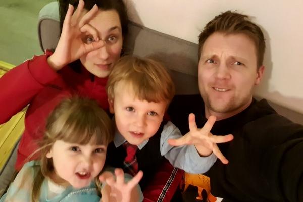 Teatrāļu ģimene no Liepājās - dramaturģe Rasa Bugavičute-Pēce un aktieris Sandis Pēcis